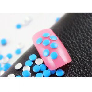Флуоресцентчета за нокти в синьо