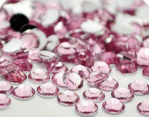 Розови камъчета за нокти